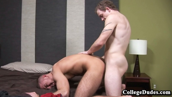 Cole Gartner, Kenny Coors gay jocks/frat boys video from College Dudes
